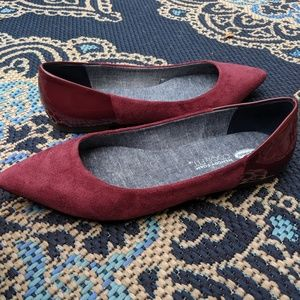 Dr. Scholl's Burgundy Red Two Toned Flats 9.5M
